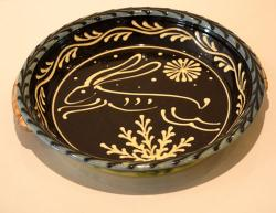 Round Baking Dish with Hare